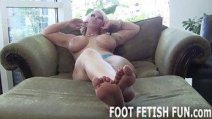 I need a slave boy who loves worshiping feet