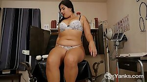 Chubby Miel Vibrating Her Hairy Slit