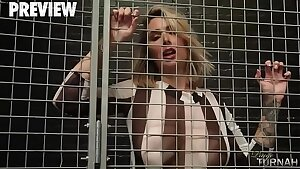 Humungous Bum PAIGE TURNAH IS IN JAIL AND WANTS TO SUCK DICK