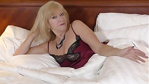 Room Service Returns for SEX !!
